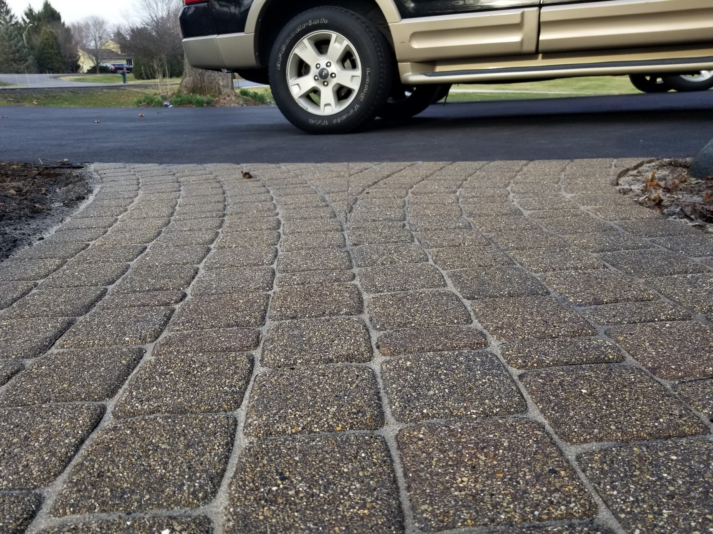 Re-Sanding Joints & the Benefits of Installing Polymeric Sand